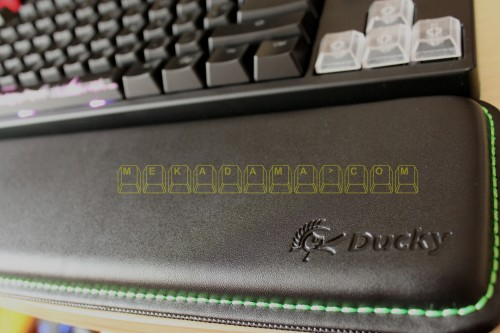ducky-leather-palm